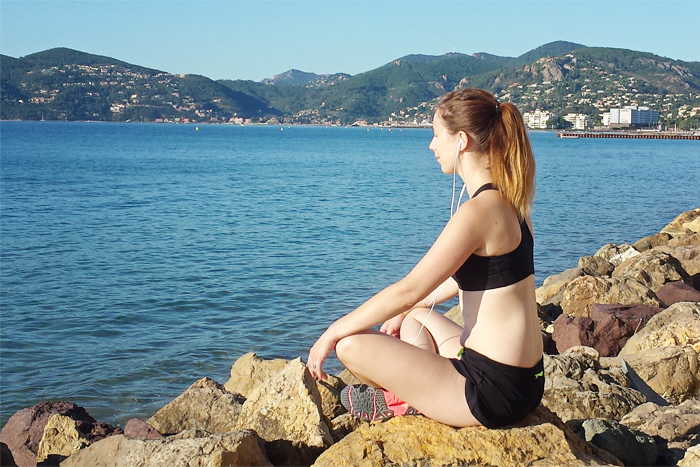 meditation au bord de la mer