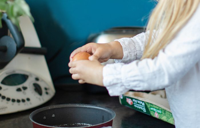 Répartition des tâches ménagères entre conjoints et avec les enfants