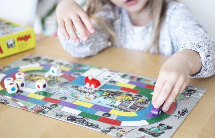 Sélection de 4 jeux de société pour jouer en famille