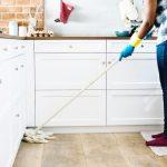 Avoir un agent de ménage : Mon expérience, le coût, les aides (CAF, impôts, CESU)…
