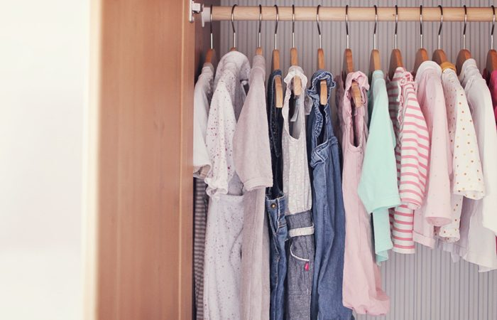 Dressing enfant minimaliste